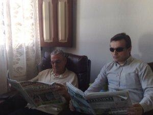 Família que lê unida...